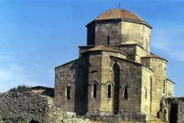 Another attempt of converting Georgian temple into an Armenian one