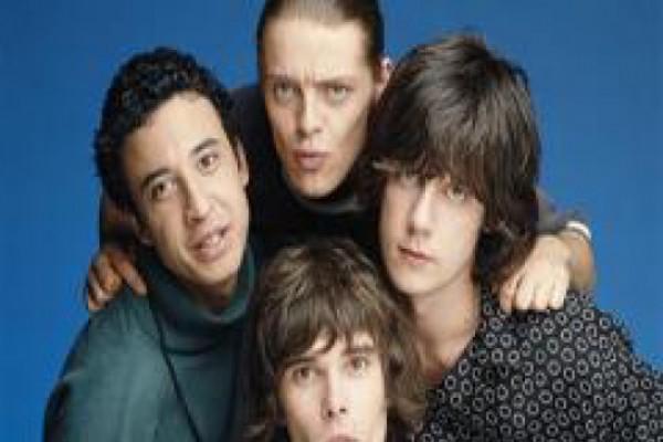 """ჯგუფი """"The Stone Roses"""" დაბრუნდა"""