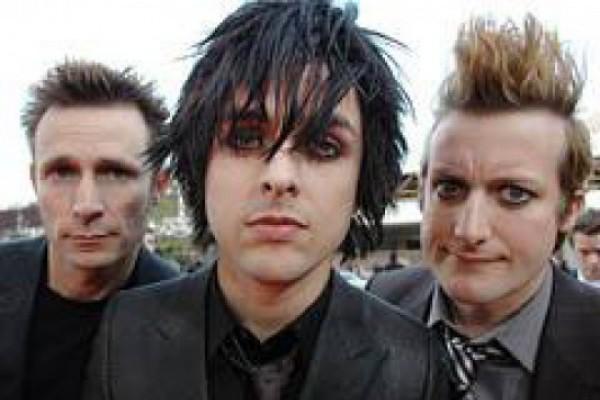 """""""Green Day"""" სამ ალბომს გამოუშვებს"""