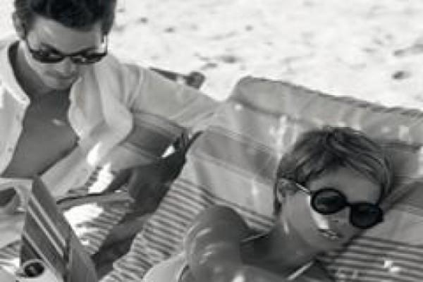 არმანის გაზაფხული ზაფხულის სათვალეეების კოლექცია და რომანტიული ვიდეორგოლი