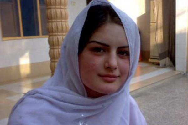 პეშავარში ახალგაზრდა პაკისტანელი მომღერალი ჩაცხრილეს (VIDEO)