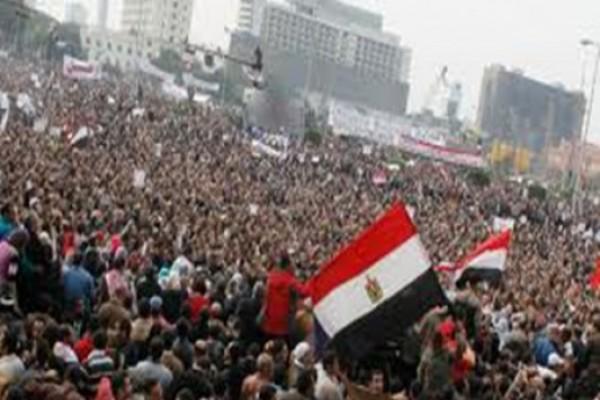 ტაჰრირის მოედანზე ეგვიპტელები ახალი პრეზიდენტის დასახელებას ელოდებიან