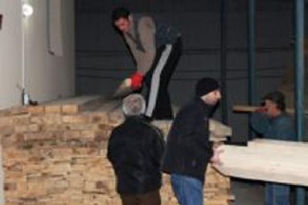 ფინანსთა სამინისტრო ოზურგეთის მოსახლეობას ხის მასალით ეხმარება