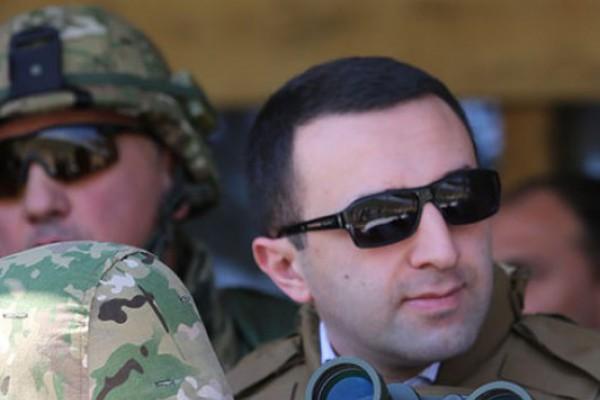 შინაგან საქმეთა მინისტრი შეიარაღებული ძალების დღისადმი მიძღვნილ სამხედრო სწავლებას დაესწრო