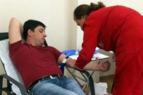 თავისუფლების შეზღუდვის დაწესებულების თანამშრომლებმა ლეიკემიით დაავადებულ ბავშვთათვის სისხლი გაიღეს