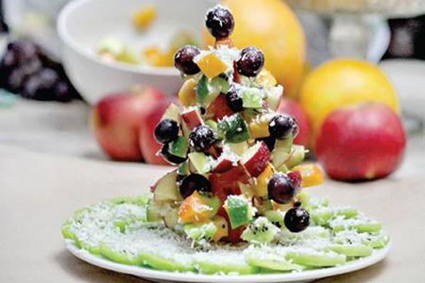 საახალწლო ნაძვის ხე - კანაპე ხილით