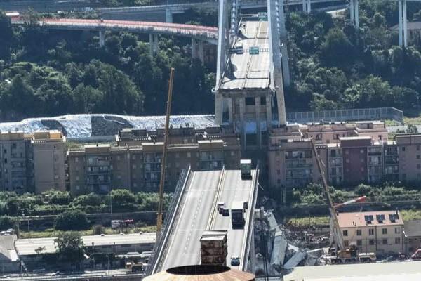 იტალიის ქალაქ გენუაში ჩანგრეული ხიდის დემონტაჟი დაიწყო