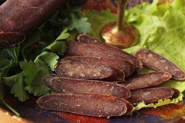 სუჯუხი - უმად გამოყვანილი, გემრიელი ძეხვი