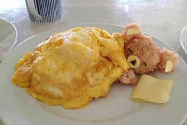 ბრინჯის მძინარე დათუნია – საუზმე, რომელზეც ყველაზე უჭმელი ბავშვიც კი უარს ვერ იტყვის!