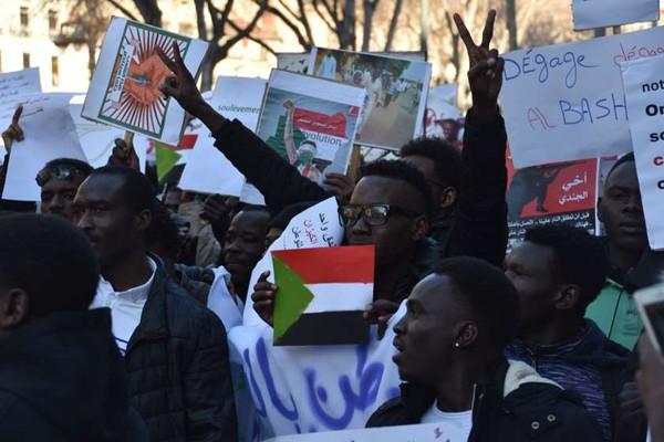 მედია: სუდანში სამხედრო გადატრიალება მოხდა