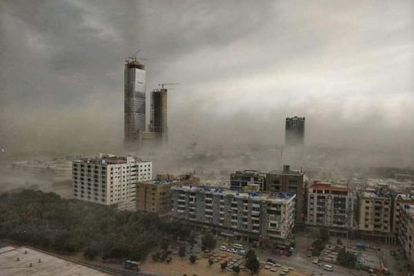 პაკისტანს ქვიშის ქარიშხალმა გადაუარა