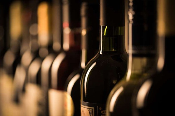 საფრანგეთში ხანძარმა 2 მილიონი ბოთლი ღვინო გაანადგურა