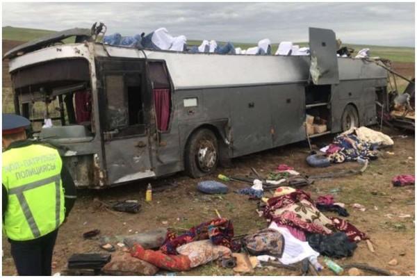 ყაზახეთში ავტოსაგზაო შემთხვევას 11 ადამიანი ემსხვერპლა