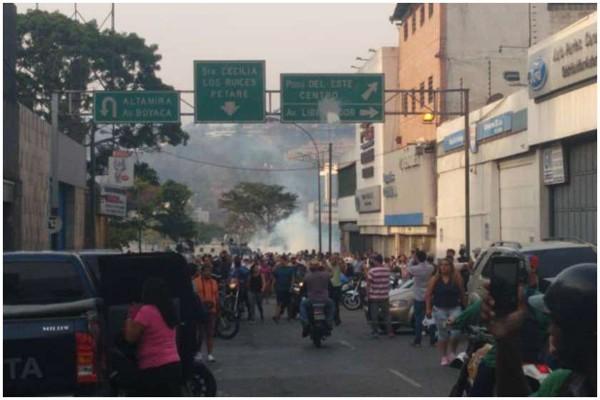 Reuters: გუაიდოს და მისი მომხრე სამხედროების წინააღმდეგ ცრემლსადენი გაზი გამოიყენეს