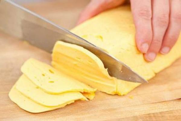 შინ მომზადებული ყველის ყველაზე სწრაფი რეცეპტი - ბევრად ჯობია ნაყიდს!