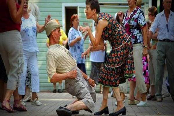 ცეკვა დაბერების პროცესს აფერხებს და ალცჰეიმერის გაჩენის შანსს ამცირებს - კვლევის შედეგი