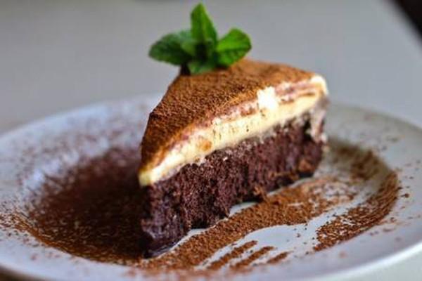 ტრიუფელის ტორტი თეთრი შოკოლადის მუსით