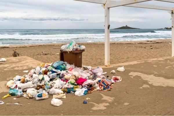 ანგარიში: ხმელთაშუა ზღვაში წამში 33 800 პლასტიკური ბოთლი ხვდება
