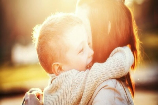 10 ფრაზა, რომელიც ბავშვის დამშვიდებაში დაგეხმარებათ - ფსიქოლოგების რჩევა
