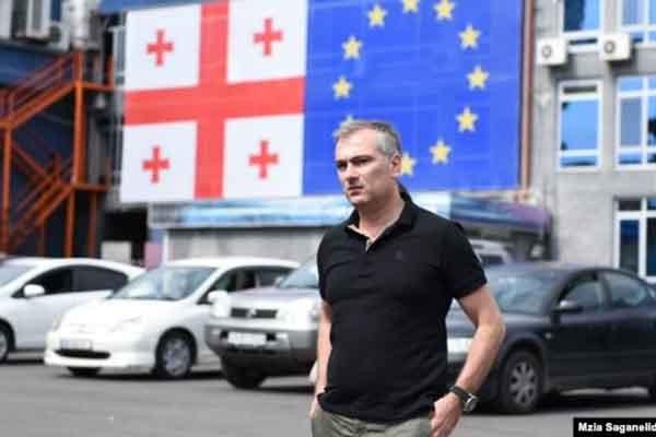 """პაატა სალიას კომენტარი:  იყიდის თუ არა """"რიჟა"""" """"რუსთავი 2"""" - ს"""