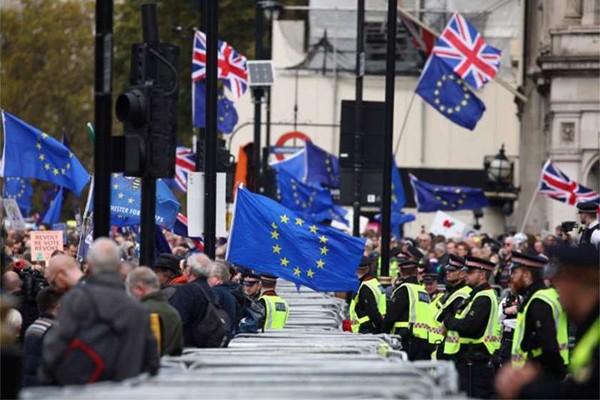 მედია: ევროკავშირი Brexit-ს 2020 წლის თებერვლამდე გადადებს