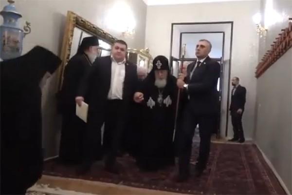 პატრიარქი ილია მეორე წმინდა სინოდის კრებაზე  (ვიდეო)