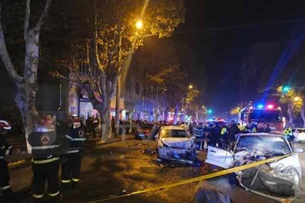ტრაგიკული ავარიების სერია თბილისში გაგრძელდა - გარდაცვლილია - 2, დაშავებულია 3 ადამიანი