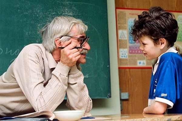 75 000 მასწავლებელს ხელფასი 100-150 ლარით გაეზრდება