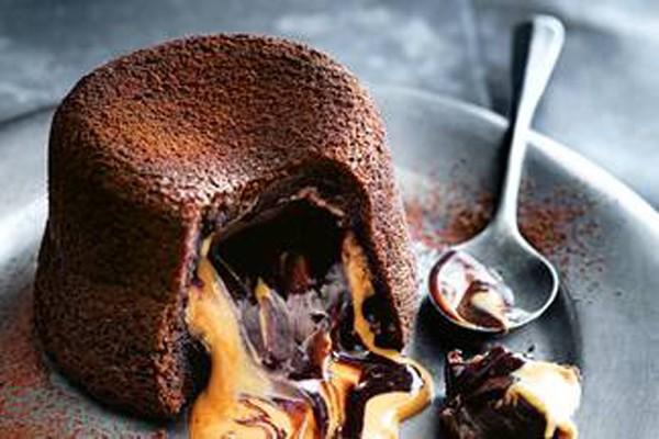შოკოლადის ლავა არაქისის კარაქით