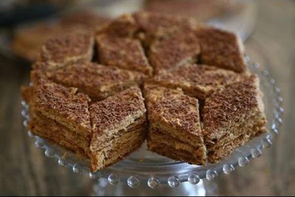 """შოკოლადისა და კარამელის ნამცხვარი """"მიქადო"""" – უგემრიელესი სომხური დესერტი"""