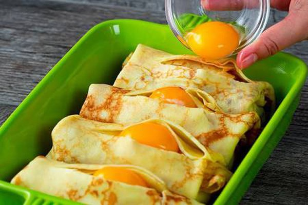 ხორციანი ბლინები კვერცხით - მარტივი ინგრედიენტებით მოსამზადებელი ნოყიერი საუზმე
