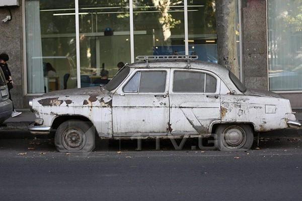 დედაქალაქის ქუჩებს მიტოვებული მანქანებისგან გაათავისუფლებენ