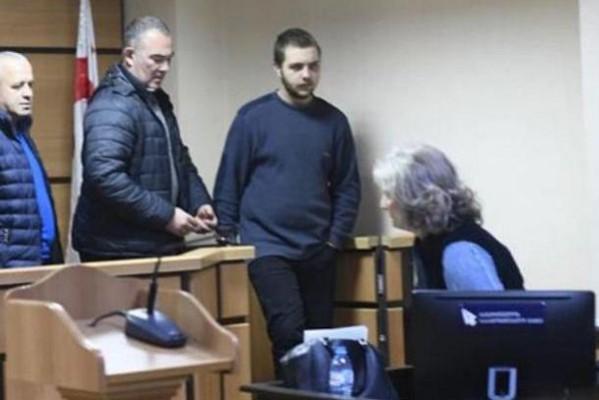 დედისა და ბებიის მკვლელობაში ბრალდებულ 19 წლის ბიჭს პატიმრობა შეეფარდა