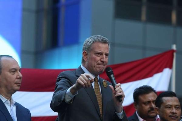 ნიუ-იორკის მერი: თუ პრეზიდენტი არ იმოქმედებს, ხალხი დაიღუპება