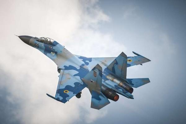 რუსული გამანადგურებელი სუ-27 შავ ზღვაში ჩავარდა