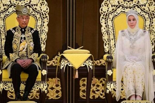 მალაიზიის მეფე და დედოფალი ორკვირიან კარანტინში იმყოფებიან