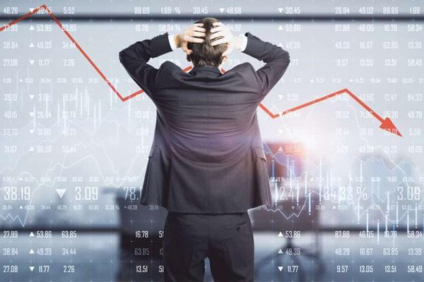 Bloomberg რუსეთის ეკონომიკის ჩამოშლას პროგნოზირებს