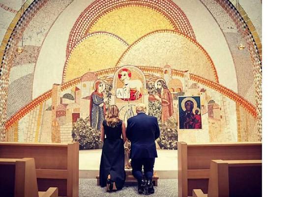 დონალდ ტრამპმა იოანე პავლე მეორის ტაძარში ილოცა