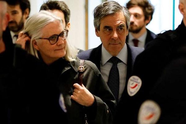 სასამართლომ საფრანგეთის ყოფილ პრემიერ-მინისტრს 5 წლით თავისუფლების აღკვეთა მიუსაჯა ბიუჯეტის თანხების მითვისების გამო