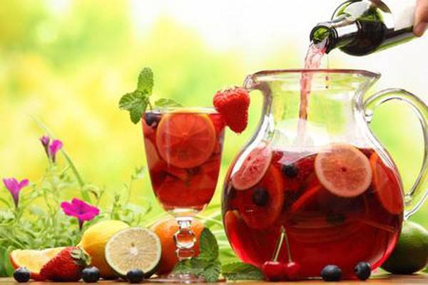 სანგრია - დაბალალკოჰოლური გამაგრილებელი სასმელი