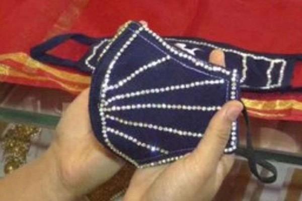 ინდოეთში ბრილიანტებით მორთული დამცავი ნიღბების გაყიდვა დაიწყო