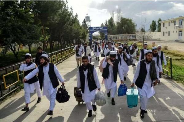 """ავღანეთის მთავრობამ """"თალიბანის"""" კიდევ 300 მებრძოლი გაათავისუფლა"""