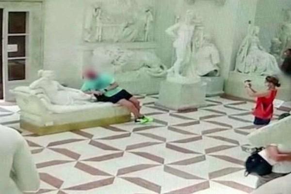 იტალიაში ტურისტმა მუზეუმში ფოტოს გადაღებისას მე-19 საუკუნის ქანდაკება დააზიანა