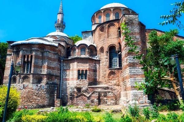 """""""თვითონ თურქებმა არ მოუწონეს ეს საქციელი ერდოღანს, ქრისტიანულ სალოცავში შესვლას ალაჰი არ გვაპატიებსო"""""""