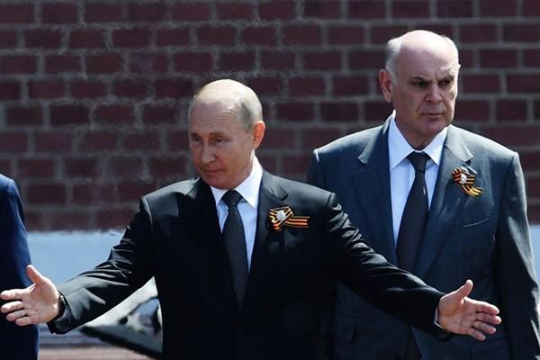 """""""რუსებმა აგრძნობინეს აფხაზებს, რომ """"პატრონი არ ჰყავთ"""" და ახდენენ აფხაზური კანონების რუსულ კანონებებზე მორგებას, ეს პრივატიზაციისთვის სჭირდებათ"""""""