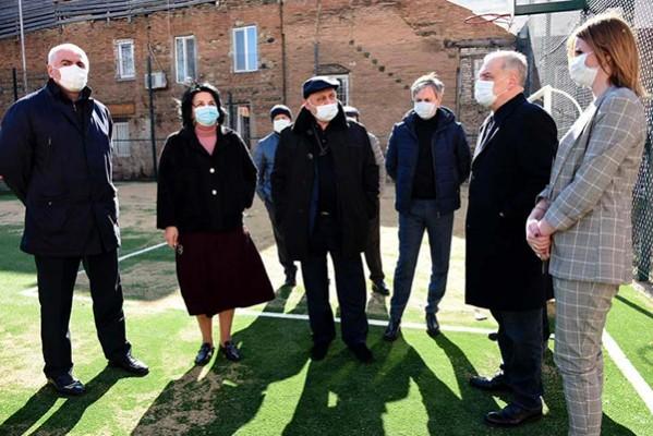 გიორგი ვოლსკი:  ნოდარ გიორგაძე  თავის ყოფილ სკოლას მინი სტადიონს უშენებს, ვფიქრობ სამაგალითოა