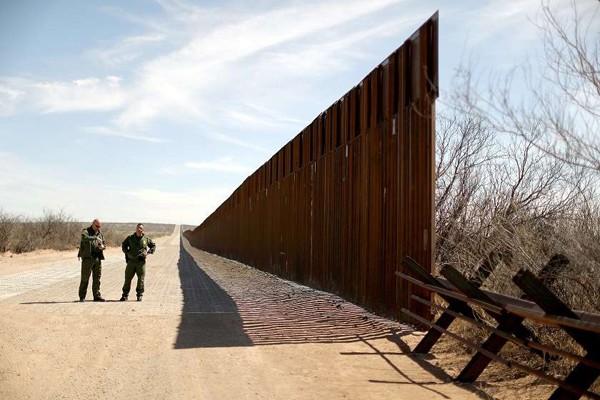 პენტაგონმა აშშ-მექსიკის საზღვარზე კედლის მშენებლობის დაფინანსება შეწყვიტა