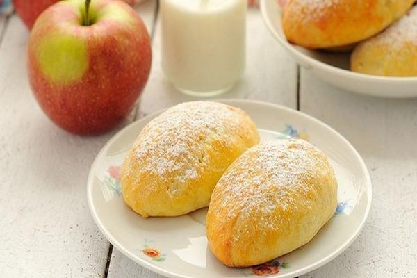 ხაჭოს ღვეზელები ვაშლის გულსართით