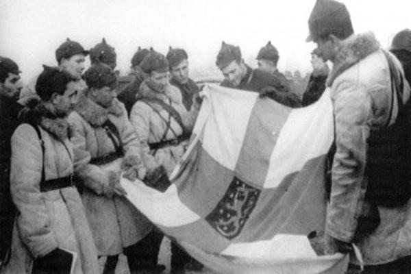 რატომ აჯობეს პოლონელებმა და ფინელებმა ქართველებს რუსებთან ბრძოლაში