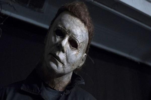 ოქტომბერში 13 საშინელებათა ფილმის ყურებისთვის კომპანია $1300-ს იხდის